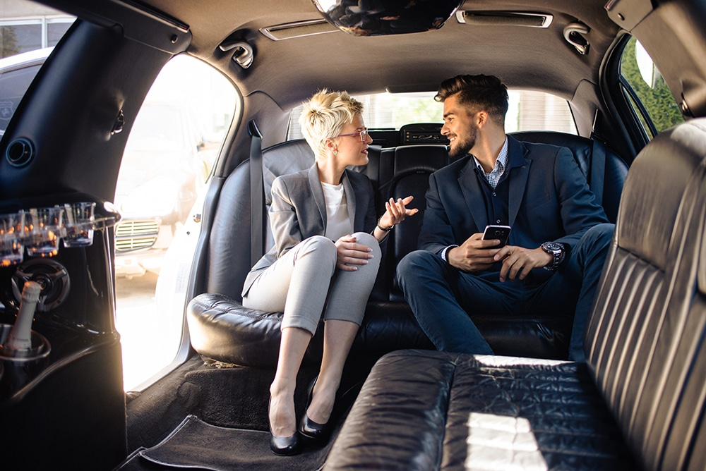 Door to Door Limo DTW Airport Transfers